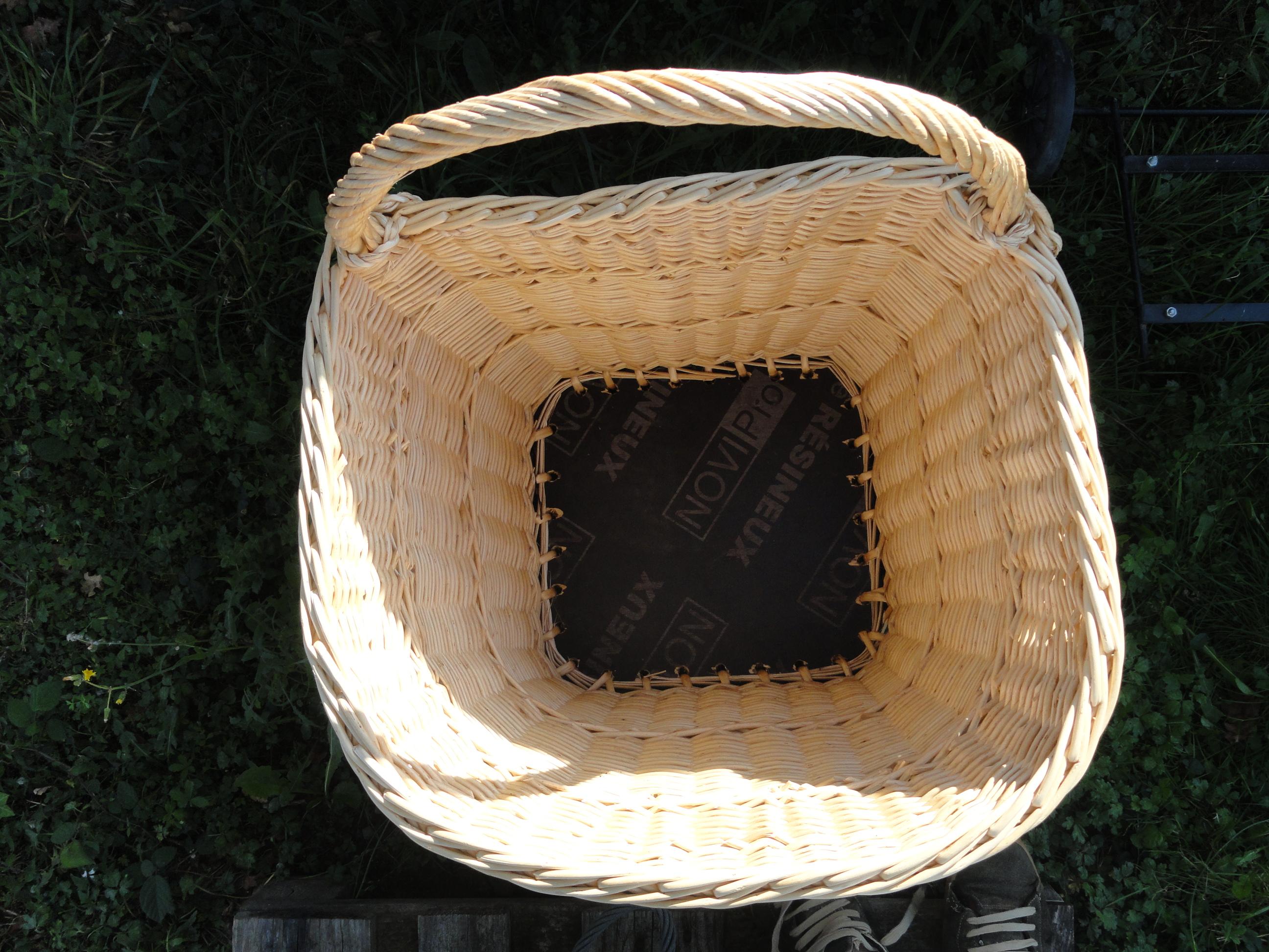 paniers bois panier en osier de mait. Black Bedroom Furniture Sets. Home Design Ideas